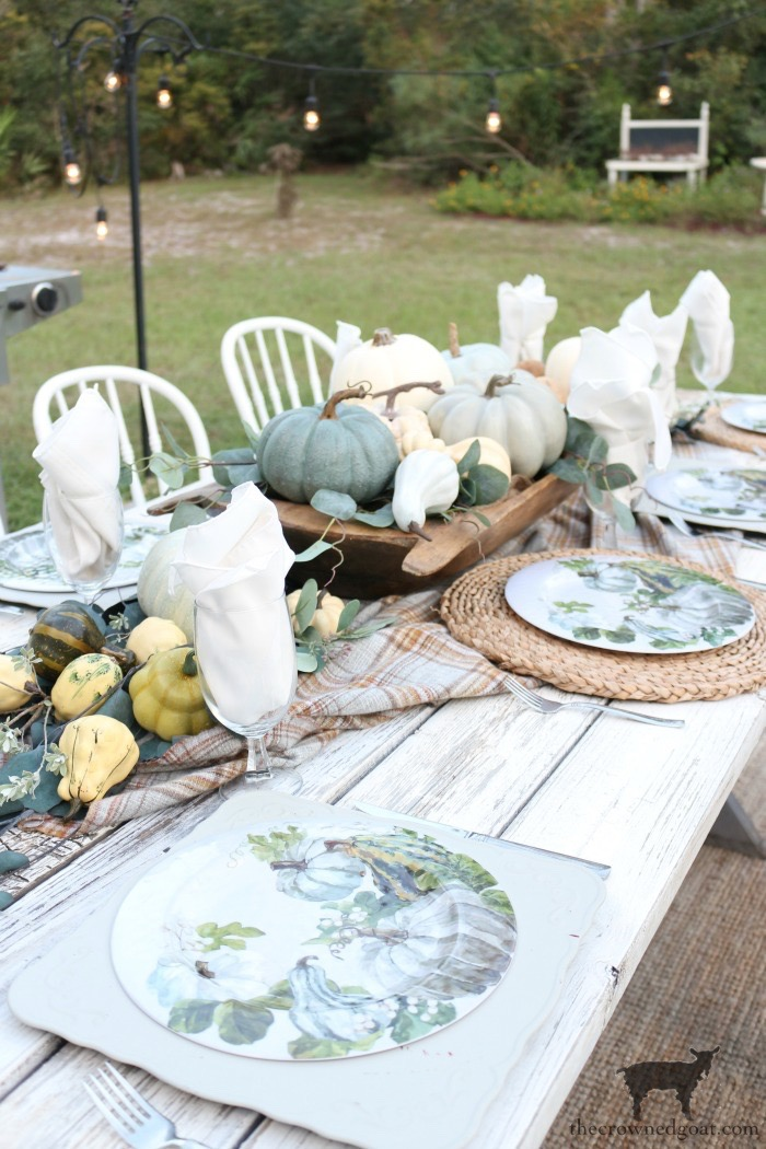 Fall-Inspired-Outdoor-Tablescape-The-Crowned-Goat-11 Fall Inspired Outdoor Tablescape Decorating DIY Fall