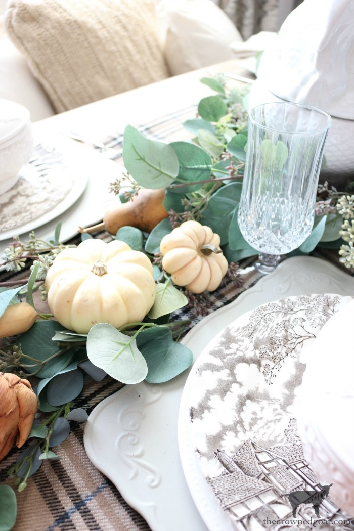 Simple-Thanksgiving-Tablescape-Ideas-The-Crowned-Goat-1 Simple Thanksgiving Tablescape Ideas Decorating Thanksgiving