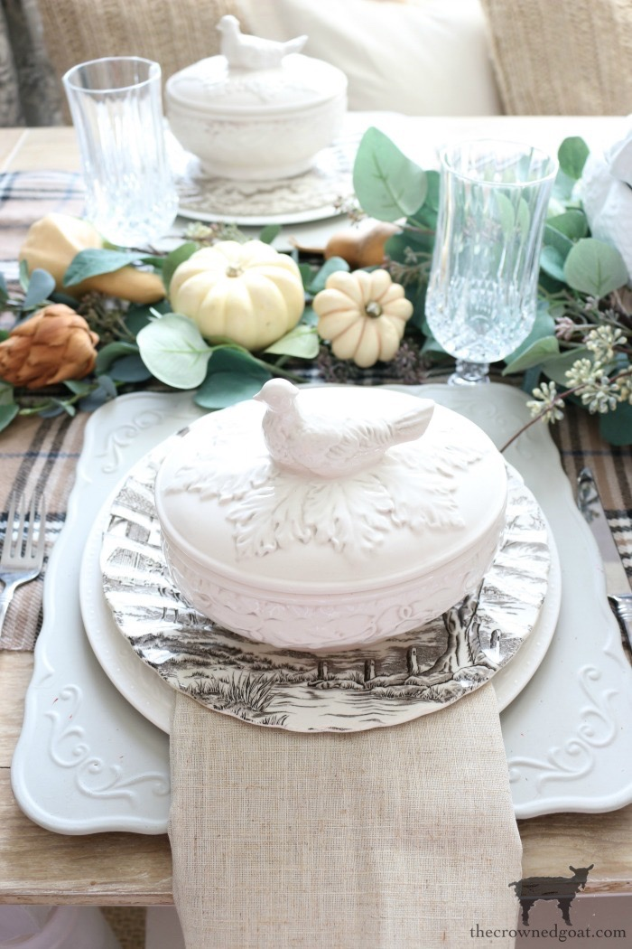 Simple-Thanksgiving-Tablescape-Ideas-The-Crowned-Goat-12 Simple Thanksgiving Tablescape Ideas Decorating Thanksgiving