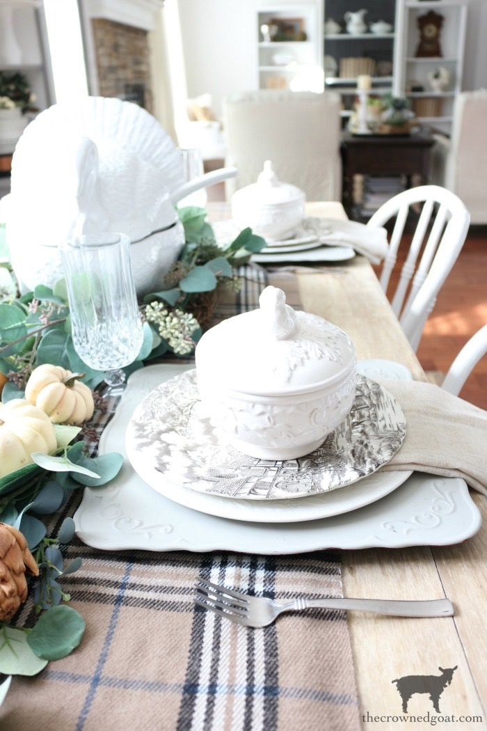 Simple-Thanksgiving-Tablescape-Ideas-The-Crowned-Goat-6 Simple Thanksgiving Tablescape Ideas Decorating Thanksgiving