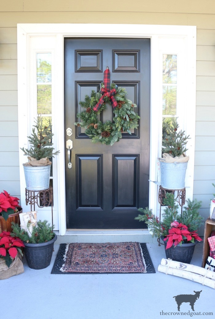 Stress-Free-Holiday-Decorating-Steps-The-Crowned-Goat-1 10 Steps to Stress-Free Holiday Decorating Holidays