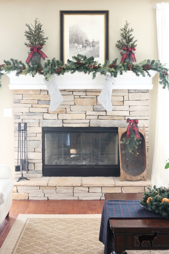 Stress-Free-Holiday-Decorating-Steps-The-Crowned-Goat-10 10 Steps to Stress-Free Holiday Decorating Holidays