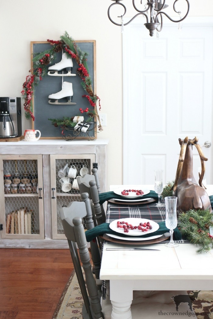 Stress-Free-Holiday-Decorating-Steps-The-Crowned-Goat-15 10 Steps to Stress-Free Holiday Decorating Holidays