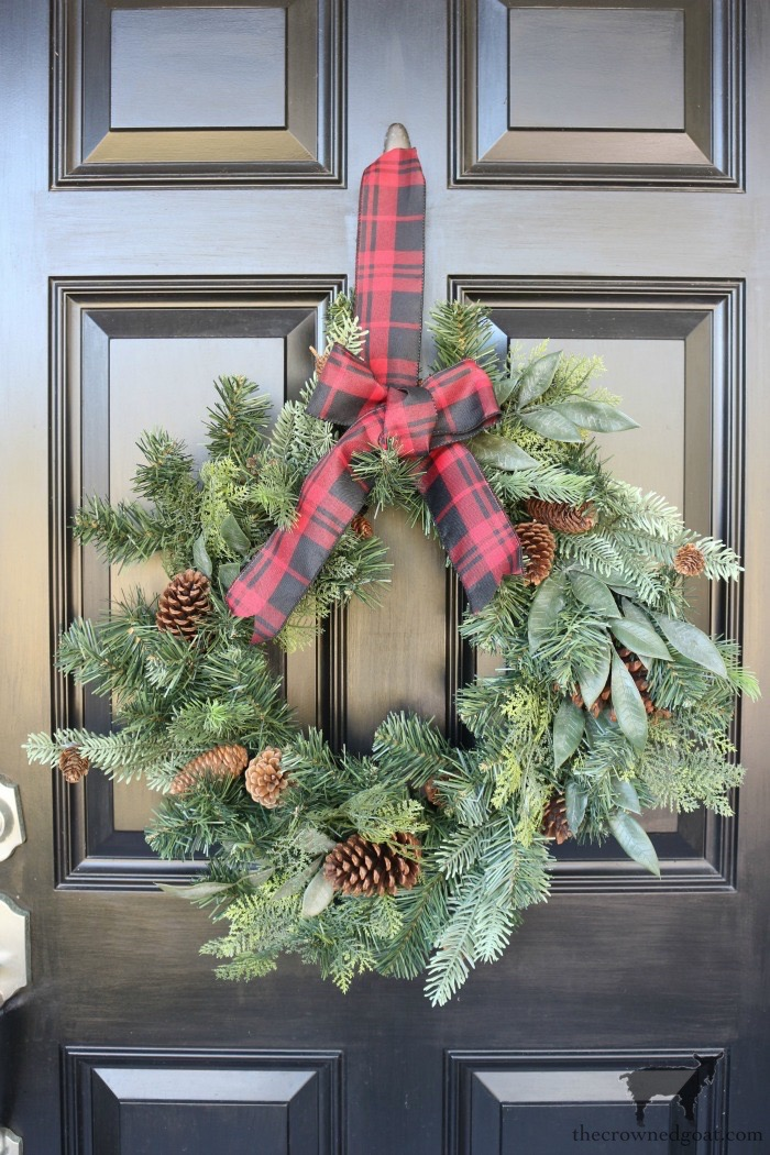 Stress-Free-Holiday-Decorating-Steps-The-Crowned-Goat-2 10 Steps to Stress-Free Holiday Decorating Holidays