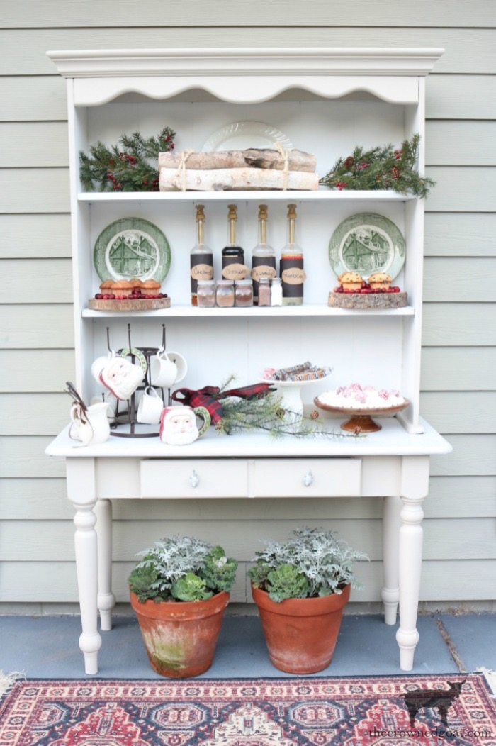 Stress-Free-Holiday-Decorating-Steps-The-Crowned-Goat-24 10 Steps to Stress-Free Holiday Decorating Holidays