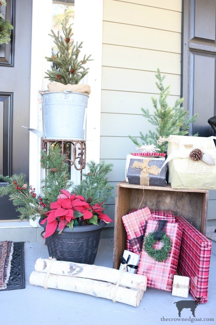 Stress-Free-Holiday-Decorating-Steps-The-Crowned-Goat-3 10 Steps to Stress-Free Holiday Decorating Holidays