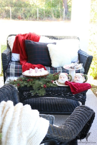 10 Steps to Stress-Free Holiday Decorating