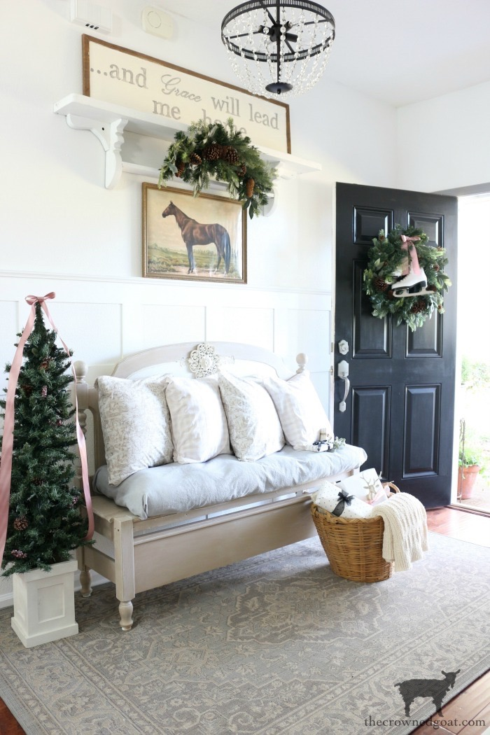Christmas-Entry-Decorating-Ideas-The-Crowned-Goat-14 Christmas Inspired Entry Christmas Holidays