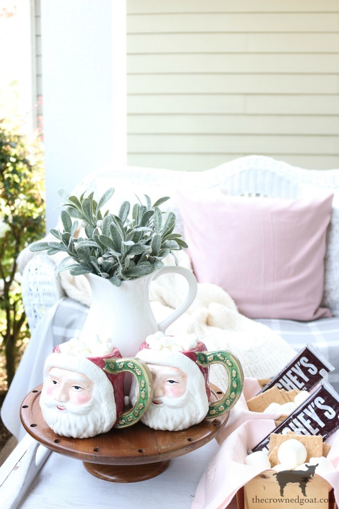 Christmas-Front-Porch-Decorating-Ideas-The-Crowned-Goat-16 Christmas on the Front Porch Christmas Holidays