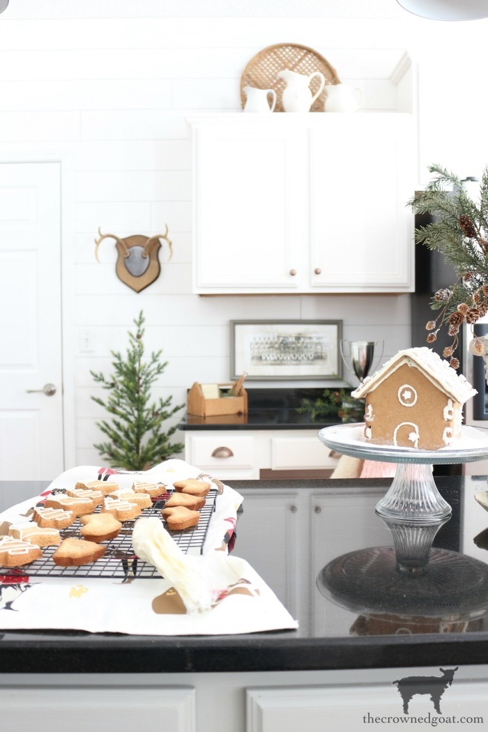 Simple-Christmas-Kitchen-Ideas-The-Crowned-Goat-8 Christmas Inspired Kitchen Christmas Holidays