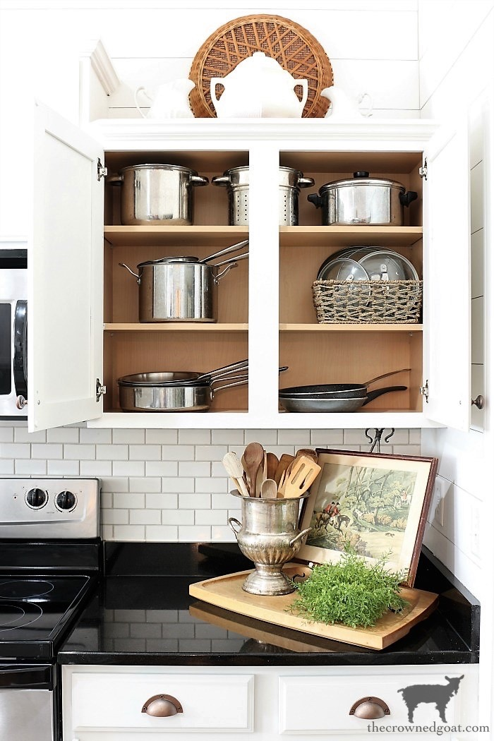 How-to-Create-Work-Zones-in-the-Kitchen-The-Crowned-Goat-3 How to Organize Your Kitchen into Work-Friendly Zones DIY Organization