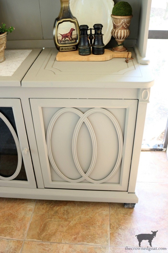Outdoor-Buffet-Hutch-French-Linen-The-Crowned-Goat-12 Outdoor Hutch & Buffet in French Linen Decorating DIY Painted Furniture