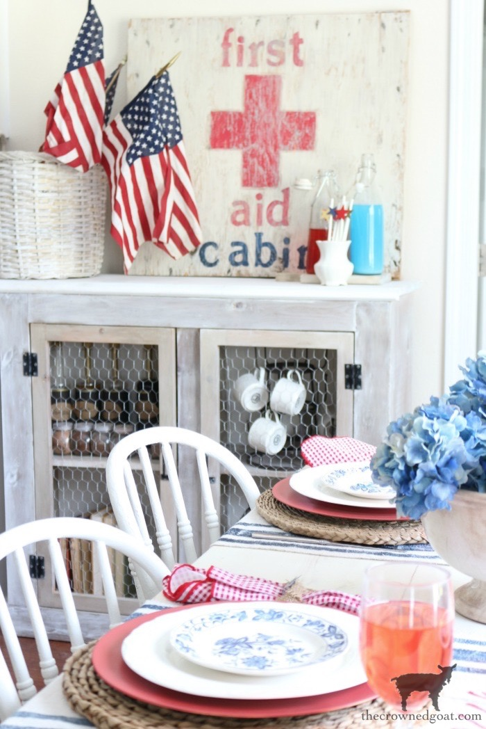 Tips-for-an-Easy-Patriotic-Tablescape-The-Crowned-Goat-12 From the Front Porch From the Front Porch
