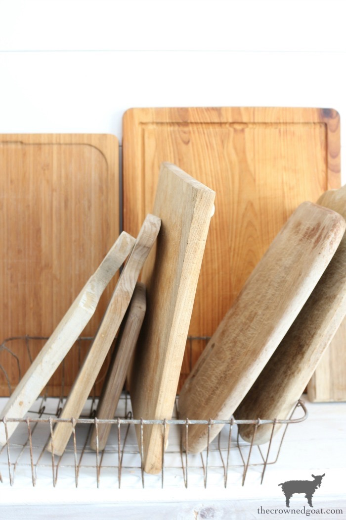 How-to-Clean-and-Restore-Vintage-Cutting-Boards-The-Crowned-Goat-10 How to Clean and Restore Vintage Cutting Boards DIY Thrifted Finds