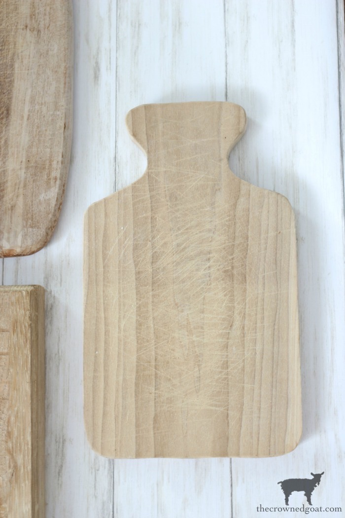 How-to-Clean-and-Restore-Vintage-Cutting-Boards-The-Crowned-Goat-3 How to Clean and Restore Vintage Cutting Boards DIY Thrifted Finds