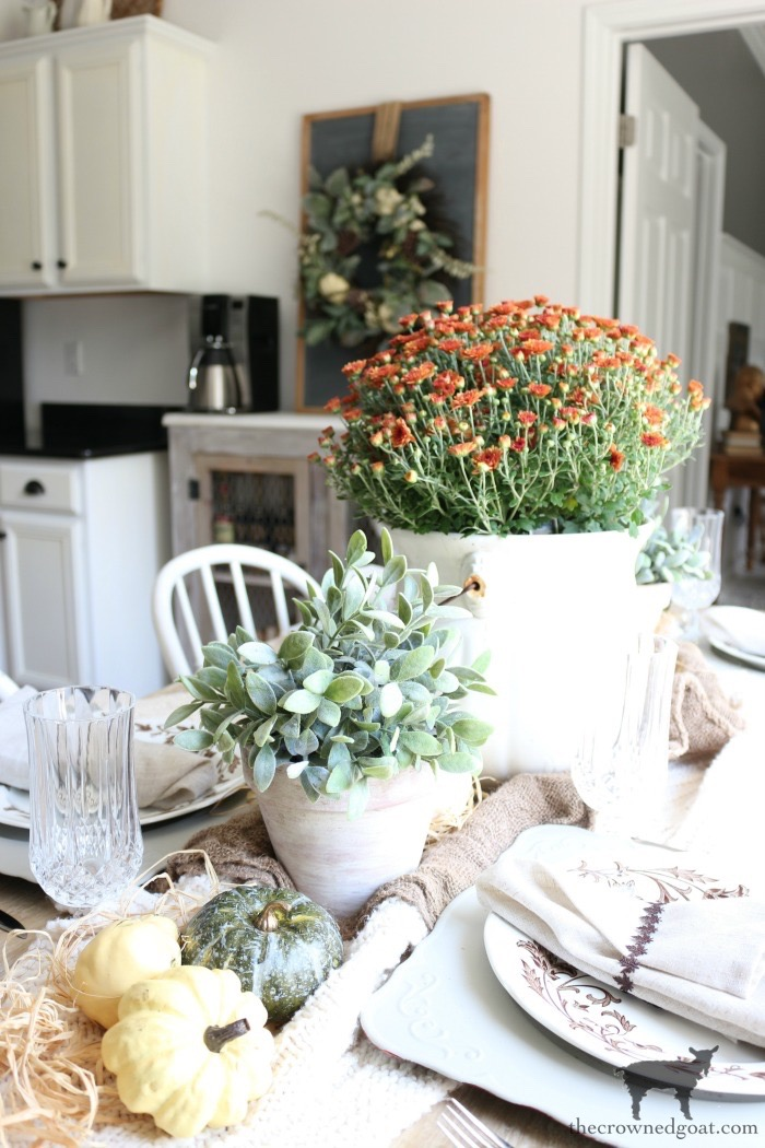 Simple-Ways-to-Prep-for-the-Holidays-The-Crowned-Goat-6 Simple Ways to Prepare Now for the Holidays Decorating DIY Holidays