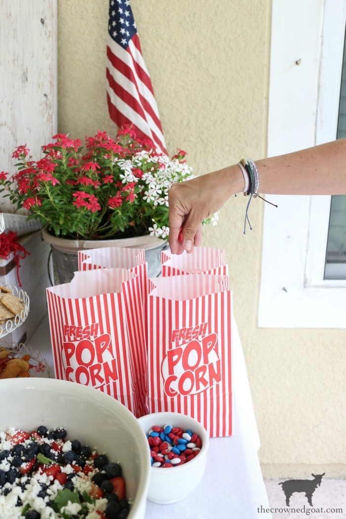 Summer-Movie-Night-Ideas-The-Crowned-Goat-12 Simple Summer Movie Night Ideas Decorating DIY Holidays Summer