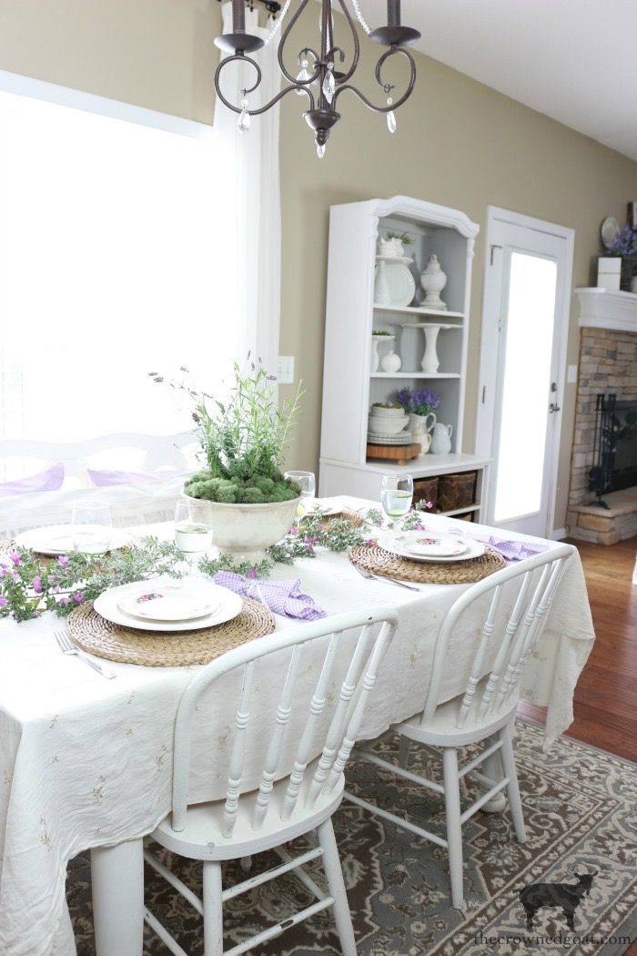 Breakfast-Nook-Refresh-Reveal-The-Crowned-Goat-5 Breakfast Nook Refresh Reveal Decorating DIY