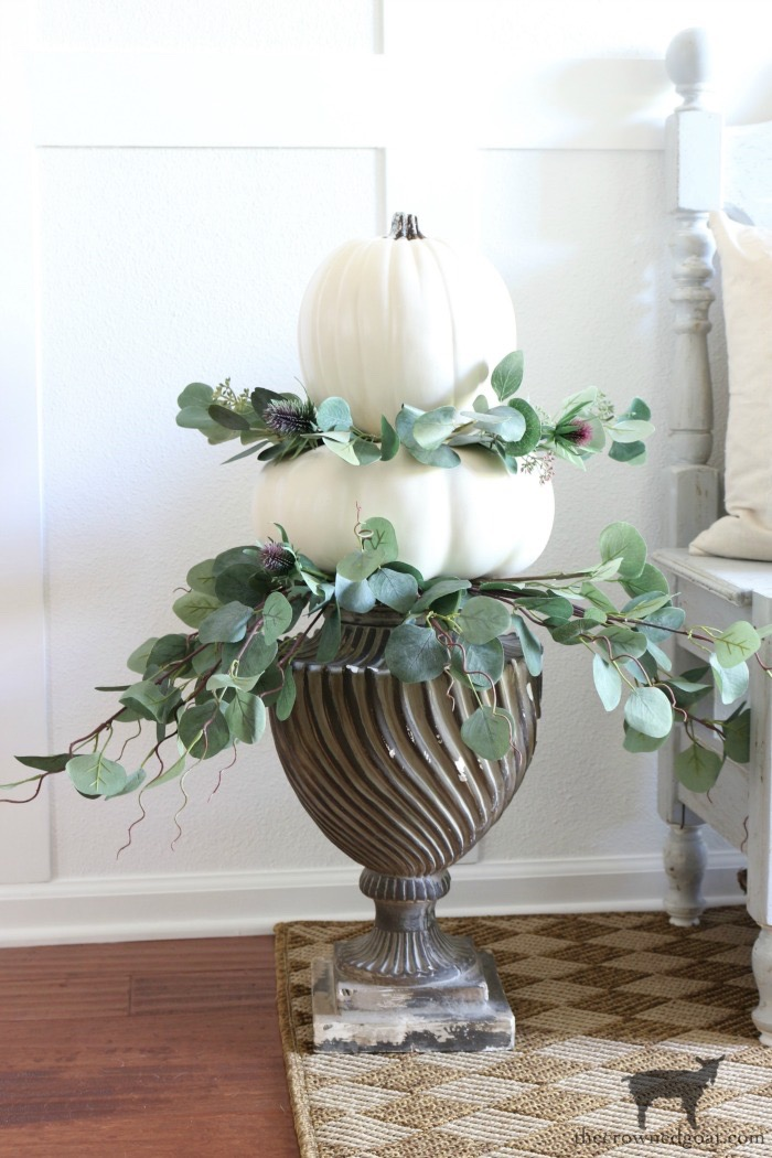Summer-to-Fall-Decorating-Ideas-The-Crowned-Goat-5 13 Easy Summer to Fall Decorating Ideas Fall