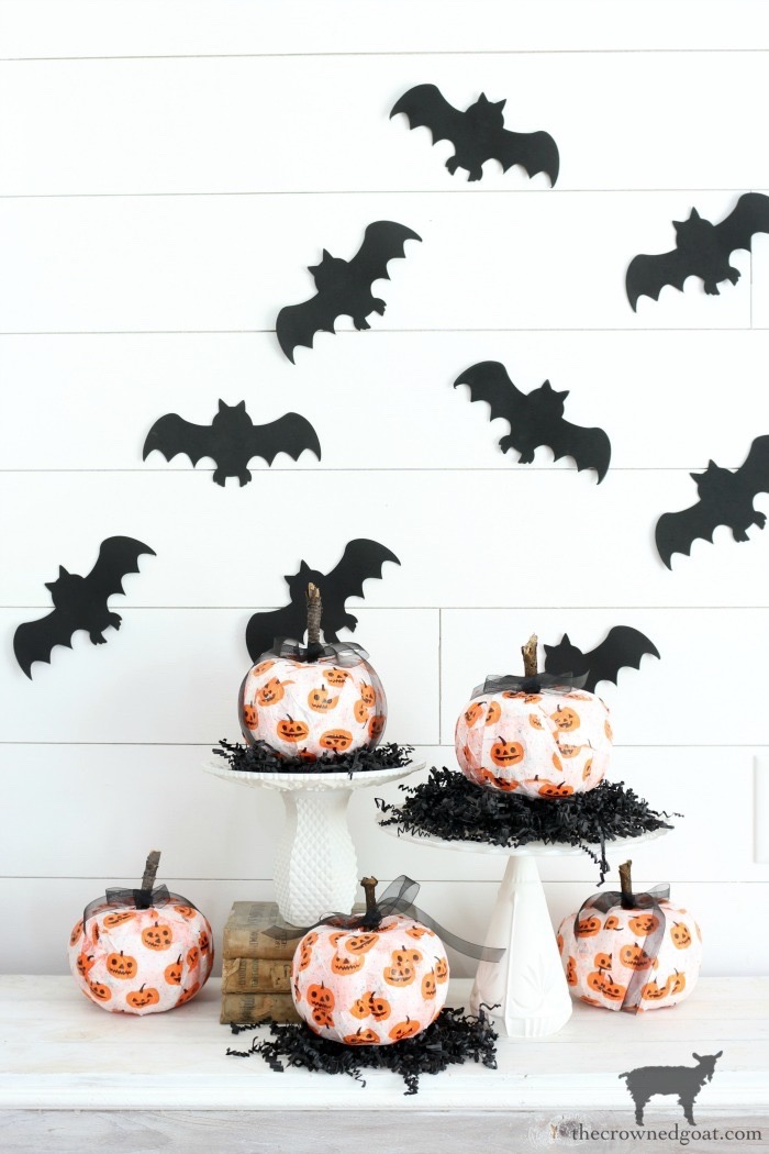 Easy-DIY-Halloween-Decorations-The-Crowned-Goat-15 Easy DIY Halloween Decorations Crafts Fall Holidays