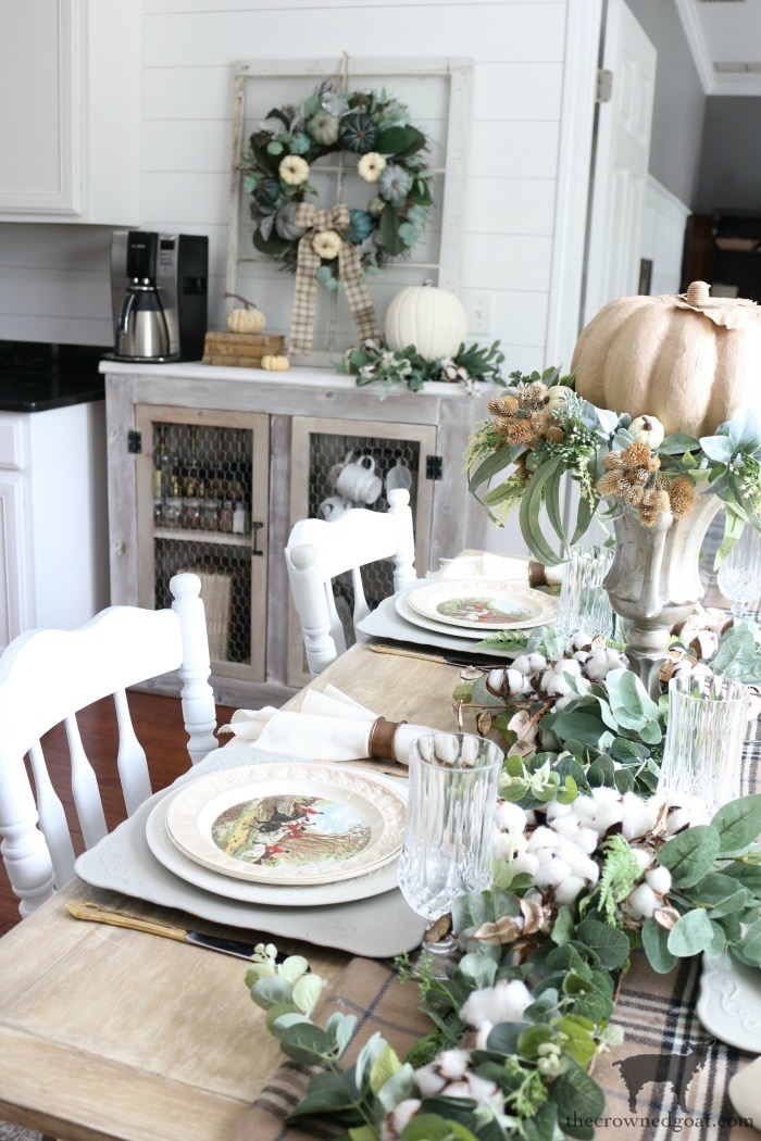 Easy-Fall-Tablescape-Ideas-The-Crowned-Goat-17 Easy Fall Tablescape Ideas Decorating Fall Holidays