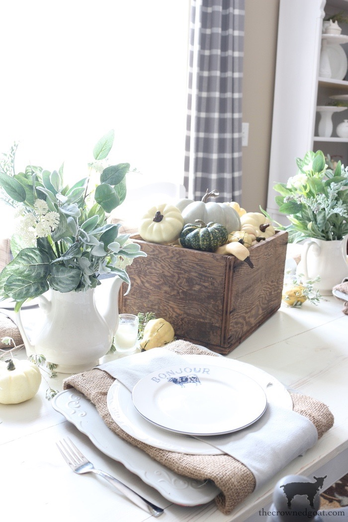 Easy-Fall-Tablescape-Ideas-The-Crowned-Goat-7 Easy Fall Tablescape Ideas Decorating Fall Holidays