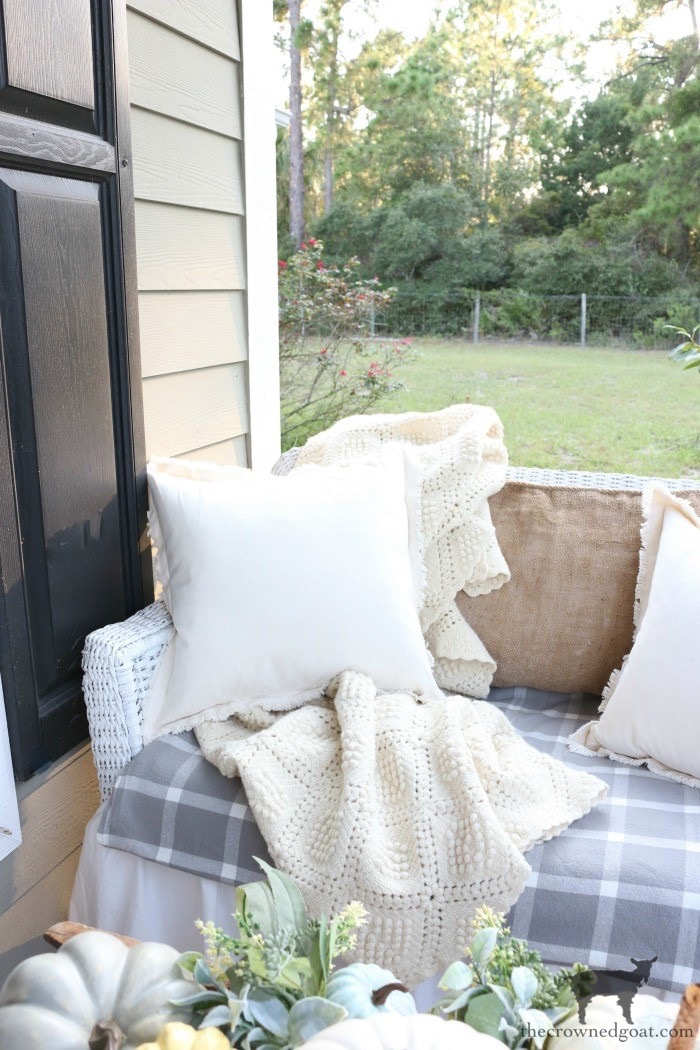 Fall-Porch-Decorating-Ideas-The-Crowned-Goat-11 Fall Porch Decorating Ideas Fall Holidays