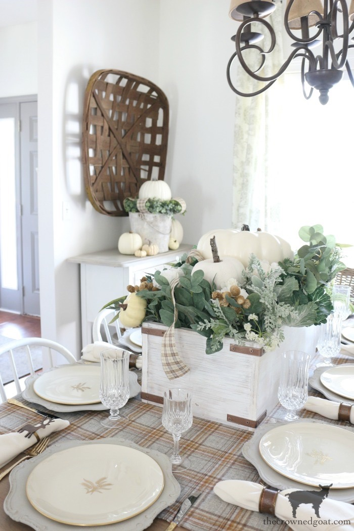 Embracing-Fall-Home-Tour-The-Crowned-Goat-14 Embracing Fall Home Tour Fall Holidays