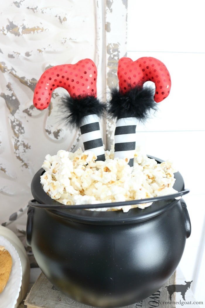 Fast-and-Easy-Halloween-Treats-The-Crowne-Goat-19 Fast and Easy Halloween Treat Station Crafts Fall Holidays