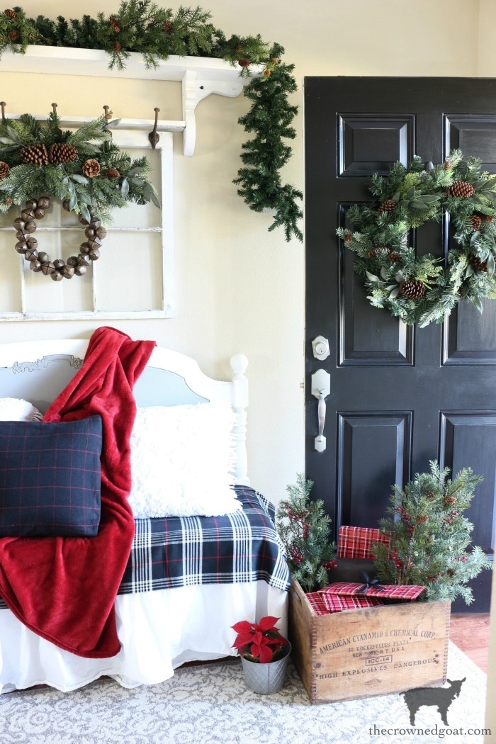 Simple-Tips-for-Christmas-Entry-Decorating-The-Crowned-Goat-9 From the Front Porch From the Front Porch