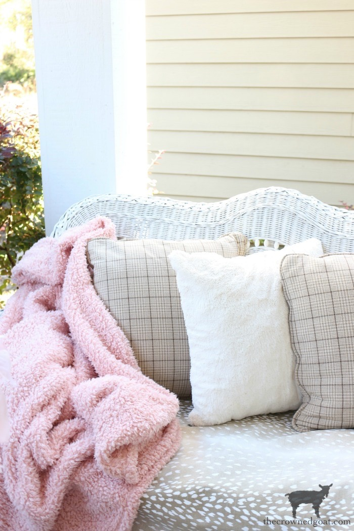 Soft-Romantic-Christmas-Porch-The-Crowned-Goat-9 Soft & Romantic Farmhouse Christmas Porch Christmas Holidays