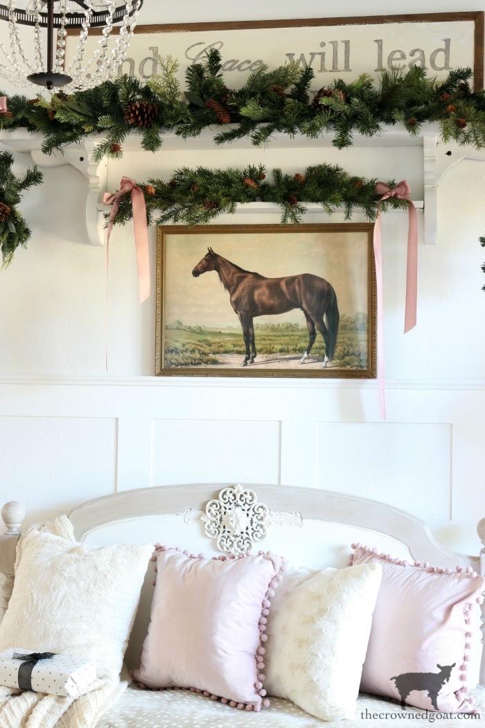 Soft-and-Romantic-Farmhouse-Christmas-Entry-The-Crowned-Goat-6 Soft & Romantic Farmhouse Christmas Entry Christmas Holidays
