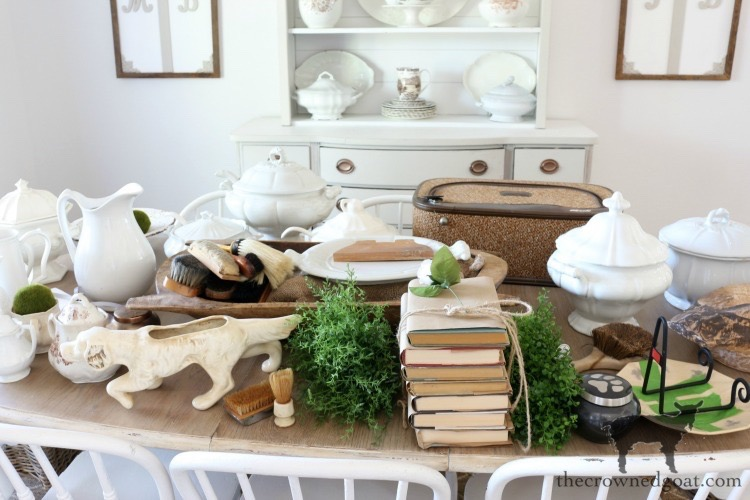 Easy-Tips-for-Styling-a-Bookcase-The-Crowned-Goat-8 Easy Tips for Styling a Bookcase Decorating DIY