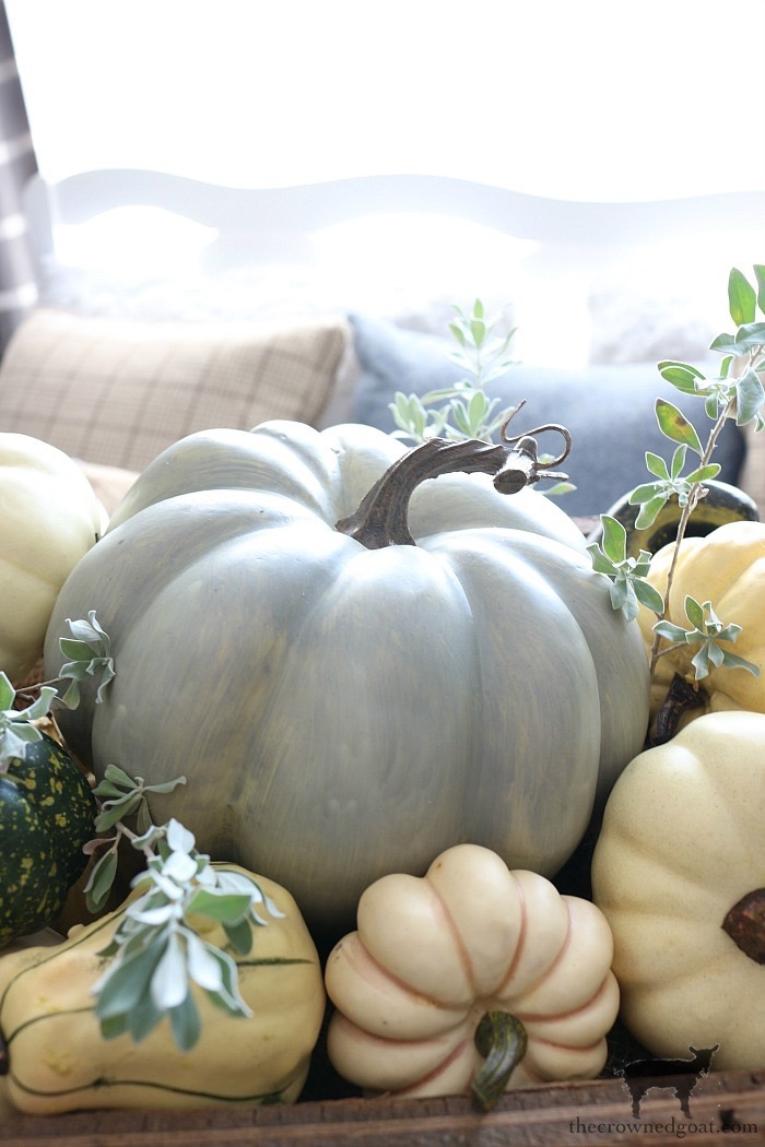 Fall-Decorating-in-the-Breakfast-Nook-The-Crowned-Goat-5 The Busy Girl's Guide to Fall Planning Fall Organization