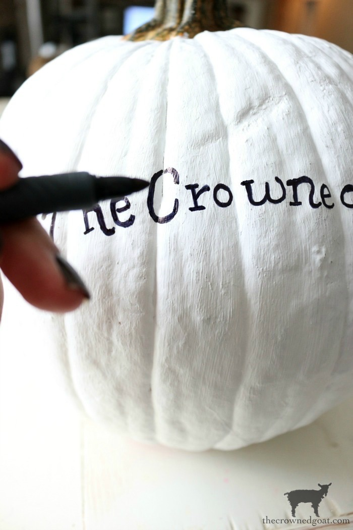 How-to-Customize-a-Painted-Pumpkin-The-Crowned-Goat-15 How to Personalize Pumpkins with Paint Fall Holidays