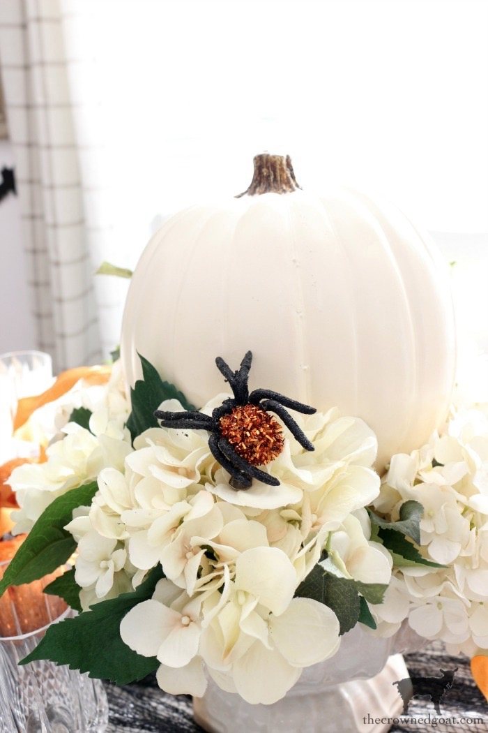 Last-Minute-Halloween-Tablescape-Ideas-The-Crowned-Goat-3 Last Minute Halloween Tablescape Ideas Fall Halloween Holidays