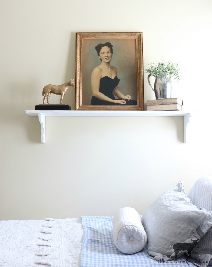 How-to-Antique-a-Gold-Frame-The-Crowned-Goat-12 Easy Ways to Decorate with Frames Decorating DIY