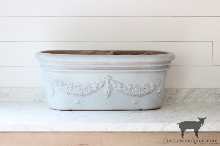 French-Country-Painted-Planter-The-Crowned-Goat-8 French Country Painted Planter Crafts Decorating DIY Painted Furniture