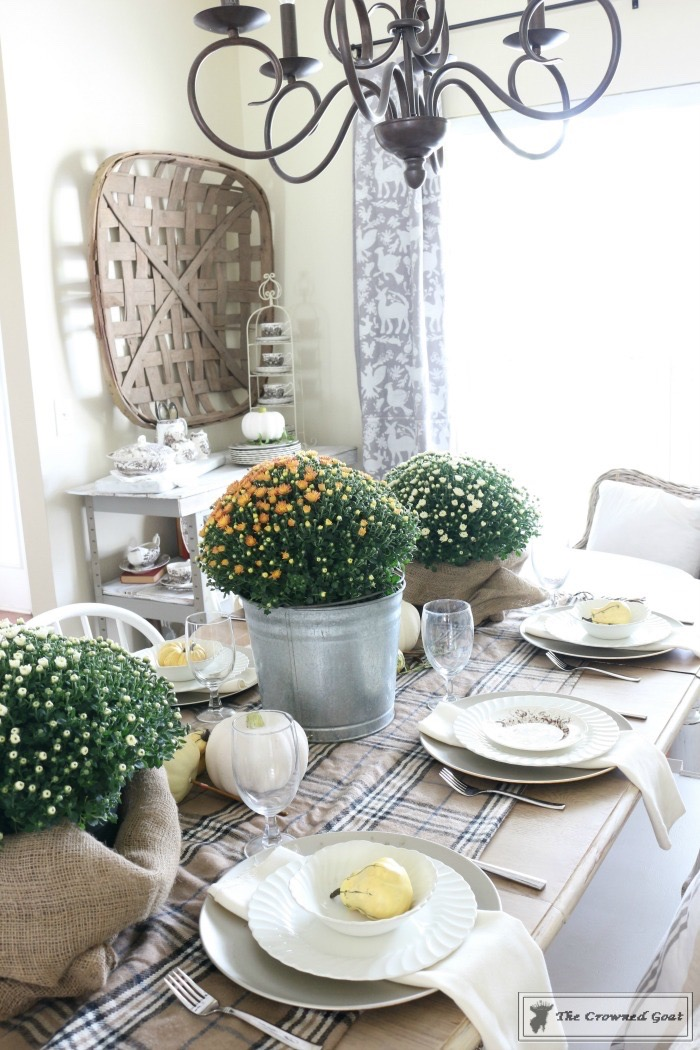 Fall Decorating in the The Dining Room