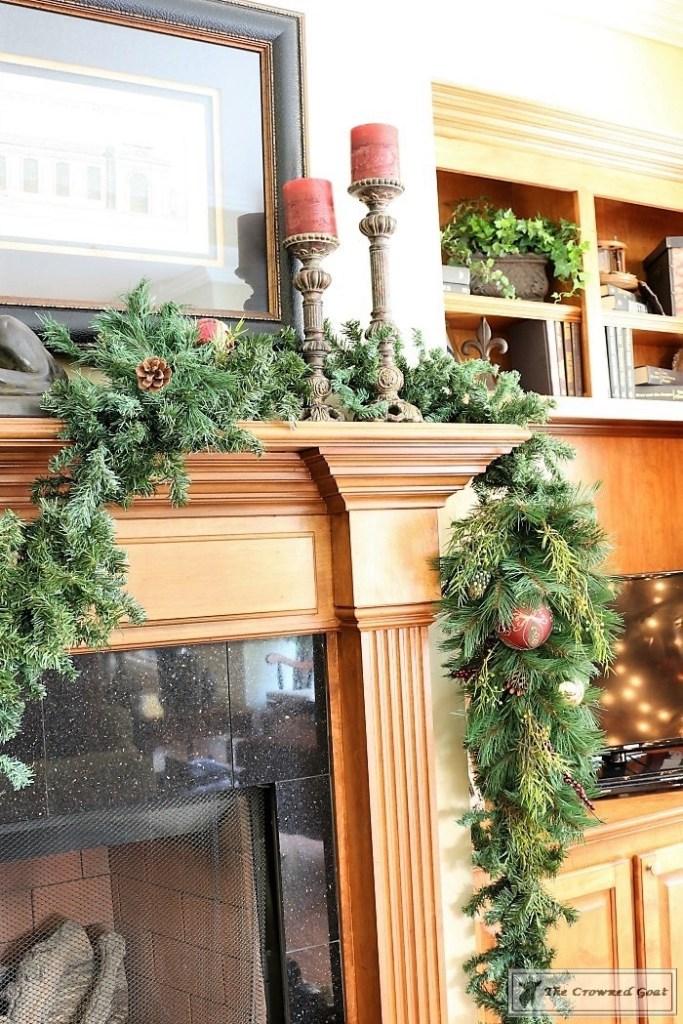 bliss-barracks-traditional-christmas-tree-living-room-9