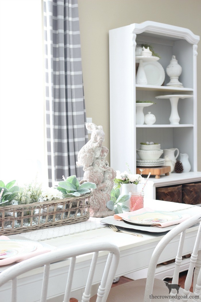 Spring Tablescape in the Breakfast Nook
