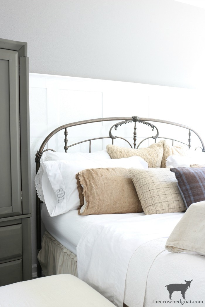 10 Tips for a More Organized Life -Neutral Bedroom Inspiration - The Crowned Goat