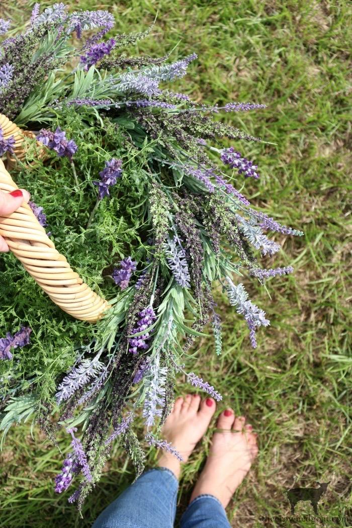 Quick & Easy Summer Lavender Basket