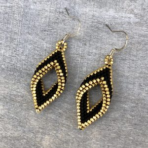 black and gold miyuki beaded rhombus infinity style earrings 1