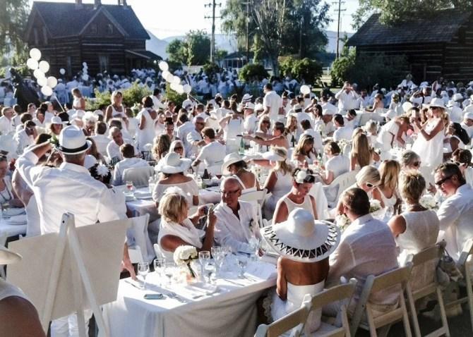 Diner en Blanc Okanagan 2014 - TheCulinaryTravelGuide.com