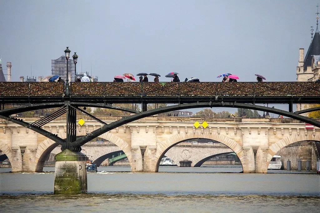 Pont Neuf Paris, photo by Michael Saint James