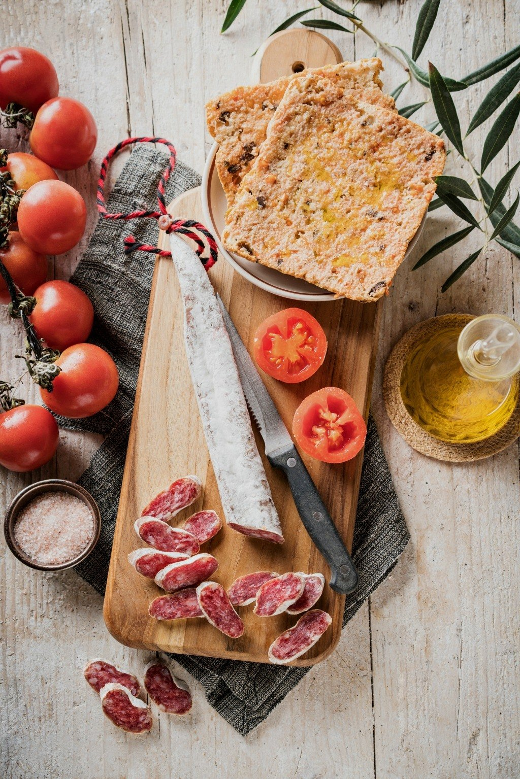 Popular Online Food Guide| An Insider's Guide to the Classic Flavors of Catalonia