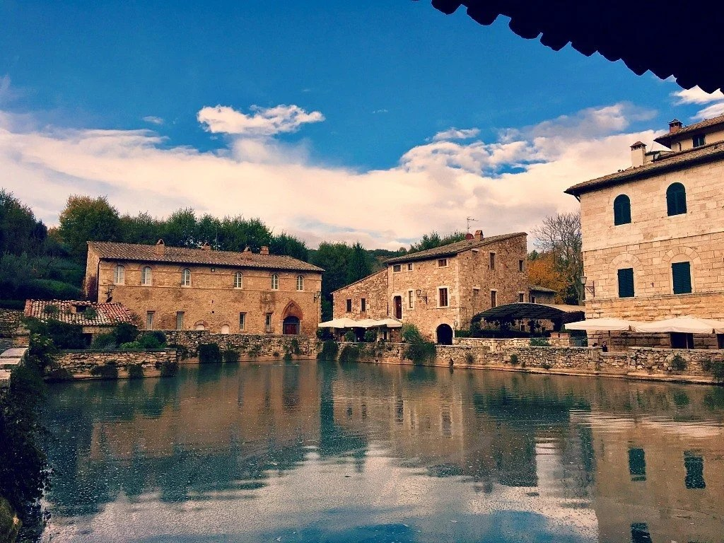 5 tasty reasons to book a stay at the adler thermae toscana - Adler bagno vignoni ...