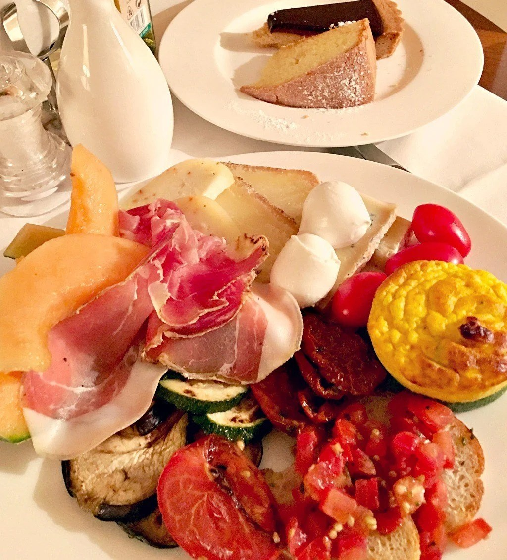 Room service at the best Bagno Vignoni hotel for foodies