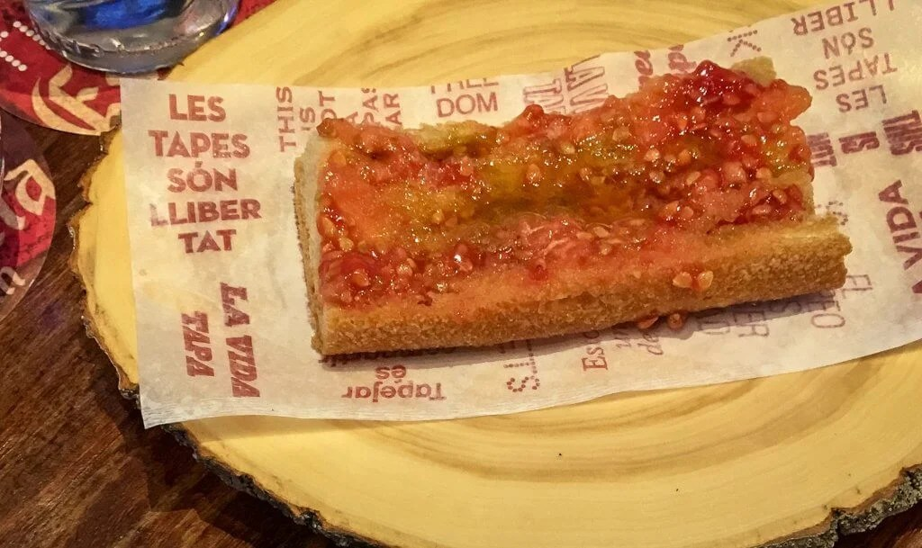 Pan con tomate is an essential on any list of what to eat in barcelona